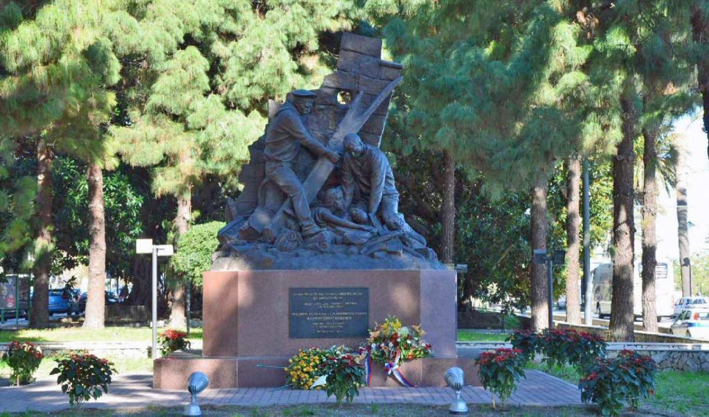 Памятник морякам Русского Императорского флота в Мессине.jpg